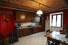 Country House for sale in the Belbo wine valley - Kitchen