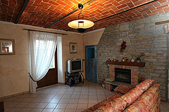 Country House for sale in the Belbo wine valley - Living area