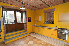 Country House for sale in the Belbo wine valley - Kitchen in the basement area