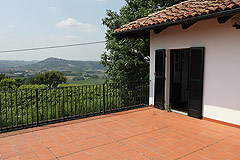 Restored Italian farmhouse - Terrace with panoramic views