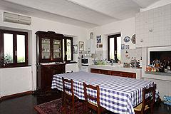 Restored Italian farmhouse - Kitchen area