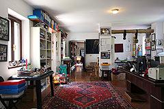 Restored Italian farmhouse - Spacious living area
