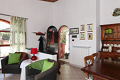 Casa indipendente in vendita in Piemonte - Living area on the upper level
