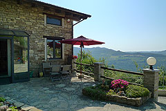 Country House in Piemonte, less then an hour from the coast. - The property is built from local stone