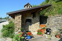 Country House in Piemonte, less then an hour from the coast. - Small stone building with the property
