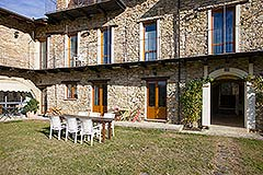 Langhe stone cottage within a small exclusive residence. - Restored Stone cottage within an exclusive small country estate with 18 x 5 Swimming Pool.