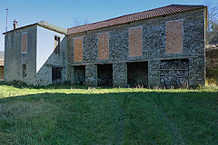 Group of Langhe Stone houses for sale in Piemonte. - A delightful group of traditional Italian stone houses set within 173000 m² of  land...