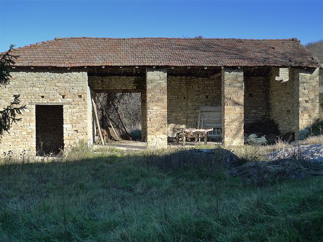 Meraviglioso gruppo di case rustiche in vendita in for Foto di case rustiche