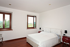 Country House with vineyard views for sale in Piemonte. - Bedroom