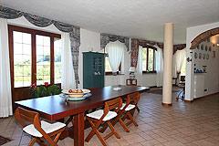Prestigiosa  villa nelle vicinanze di Canelli - Open plan living area