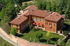 Castle for sale in the Piemonte region of Italy - Wonderful Historic Italian castle with panoramic views of the Piemonte region.