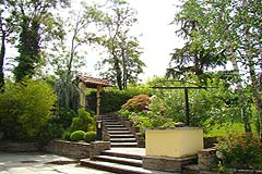 Country Home in the Langhe - The gardens are well maintained