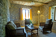 Country Estate for sale in Piemonte Italy. - Rustic style stone walls
