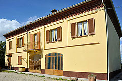 Traditionelles, italienisches Landhaus zum Verkauf im Piemont. - Traditional Italian Country House for sale in Piemonte.