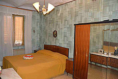 Traditional Italian Country House for sale in Piemonte. - Bedroom 2