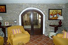 Italienischen Luxus-Bauernhaus zu verkaufen in Piemont in Italien - Internal archway