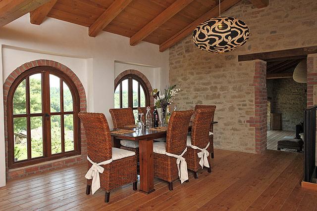 Casa di campagna in vendita nella regione langhe piemonte for Casa di un piano in vendita