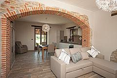 Restored Italian farmhouse for sale in Piemonte - Living area