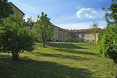 Luxury Italian Apartment for sale in Piemonte - Views of the grounds