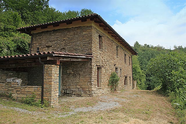 Traditional Restored Italian Stone House For Sale Piemonte
