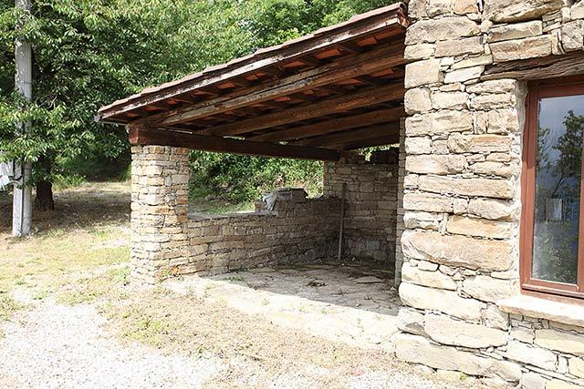 Piani Casa Di Campagna Con Avvolgente Portico Of Tradizionale Casa In Pietra In Vendita In Piemonte Levice