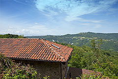 Traditional restored Italian Stone House for sale Piemonte. - SOLD - Detached Stone cottage with panoramic views in the famous Langhe region.