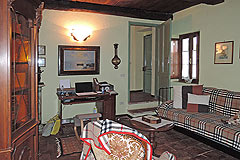 Delightful Village house, Barolo - Living area