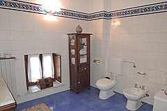 Delightful Village house, Barolo - Bathroom