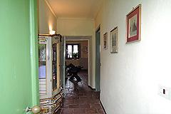 Delightful Village house, Barolo - Hallway