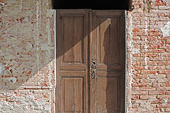 Exciting Investment opportunity in Piemonte - Original door