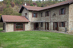 Bella cascina in vendita in Piemonte - The property is built from local stone