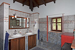Beautiful Country Home for sale in Piemonte - Bathroom
