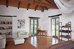 Luxury Country House in the Langhe region of Piemonte - Wonderful and spacious master bedroom