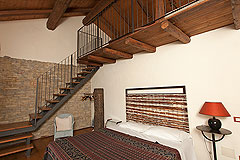 Luxury Country House in the Langhe region of Piemonte - Bedroom 2 -Mezzanine  gallery