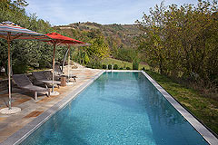 Luxury Country House in the Langhe region of Piemonte - Spacious swimming pool