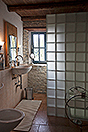 Luxury Country House in the Langhe region of Piemonte - Bathroom