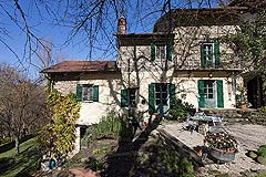 Beautiful Italian Country House for sale in Piedmont. - The property enjoys plenty of outside living space