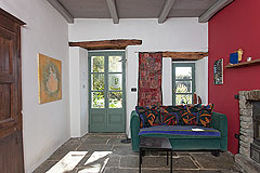 Beautiful Italian Country House for sale in Piedmont. - Living area