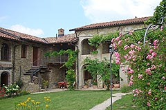 Gruppo di case in vendita in Piemonte. - Group of Houses for sale in Piemonte