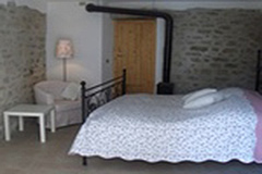 Village house for sale in the Langhe. - Bedroom