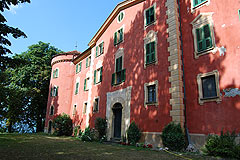 Castle for sale in the Piemonte region of Italy - Front view