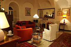 Castello in vendita in Piemonte - One of the six round living rooms in the towers