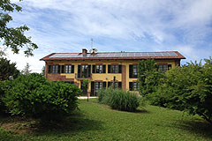 Country House in the Asti region of Piemonte. - Beautiful country home located in a tranquil position with mountain views