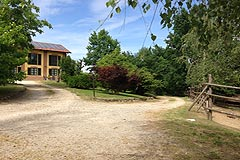 Country House in the Asti region of Piemonte. - The property is surrounded by it's own grounds