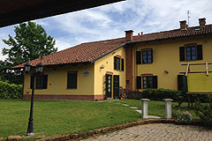Country House in the Asti region of Piemonte. - Rear view of the property