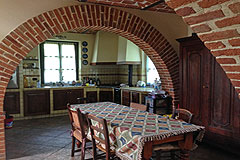 Country House in the Asti region of Piemonte. - Dining area