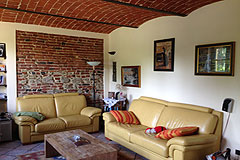 Country House in the Asti region of Piemonte. - Living area