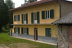 Country House for sale in Piemonte - PRICE REDUCTION - Country house  and Barn in the Langhe hills close to Alba