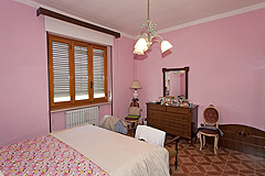 Piemontese farmhouse, Italian Villa and Olive Grove for sale in Piemonte - Bedroom