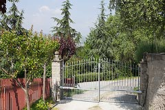 Piemontese farmhouse, Italian Villa and Olive Grove for sale in Piemonte - Entrance